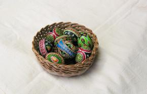 Easter eggs in batik waxing technique, blown out, nr. 18 (L)